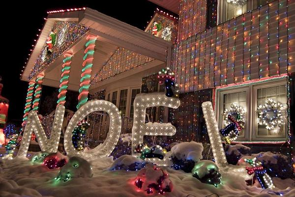 Best outdoor christmas decorations for christmas 2014 Christmas decorations for house outside ideas