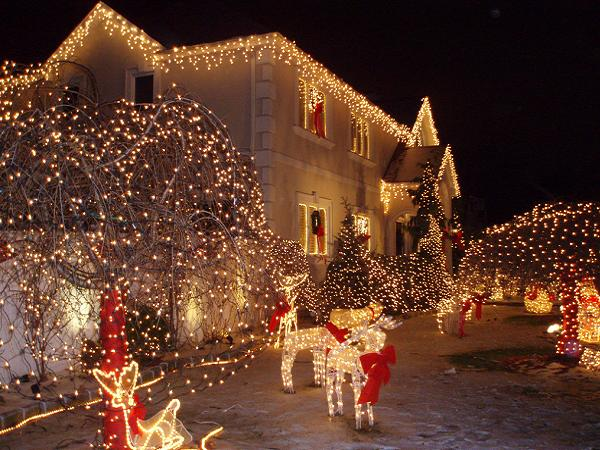 outdoor christmas lights decorations