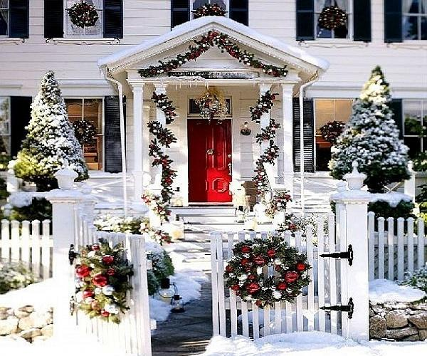 White Christmas Outdoor Decorations