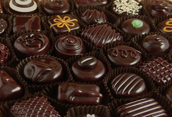 Image: http://www.deliciousfood4u.com/2012/05/eating-chocolates-provides-health-benefits/