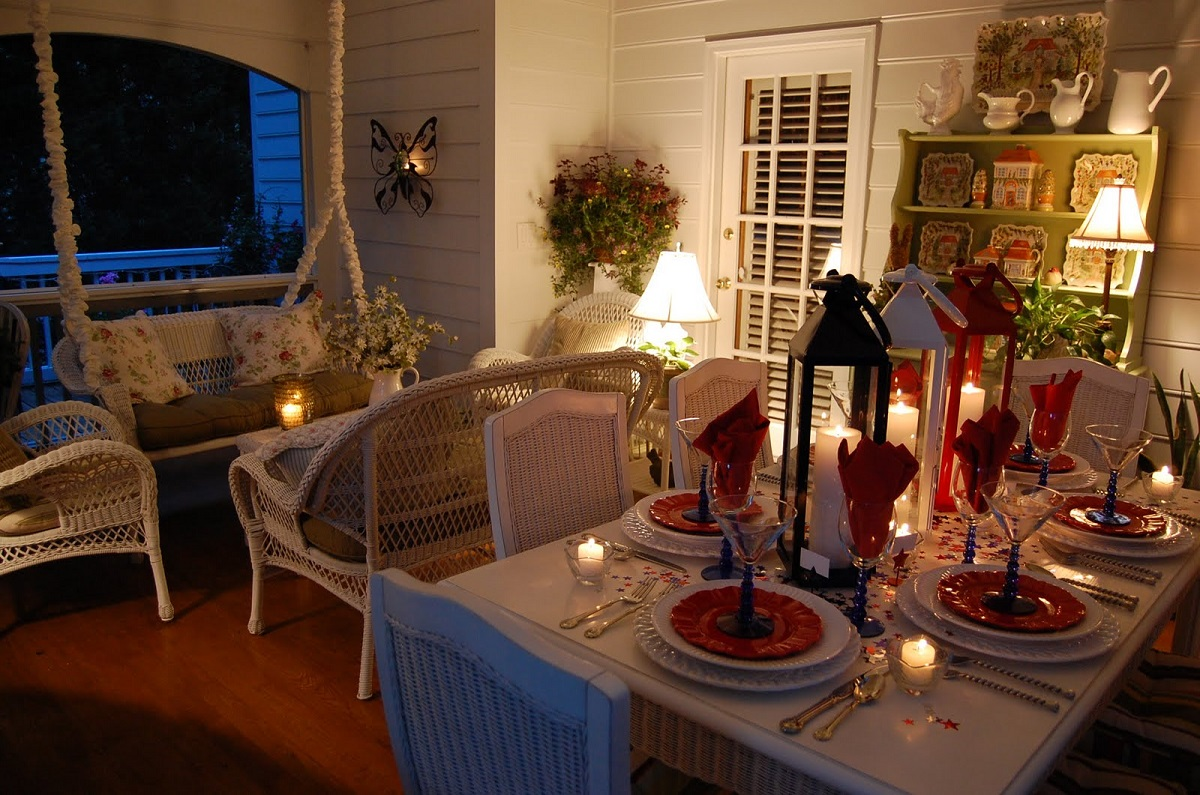 christmas-Table-and-porch