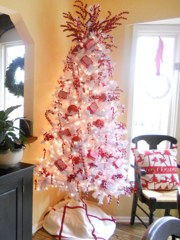 Candy Cane Living Room Christmas Décor