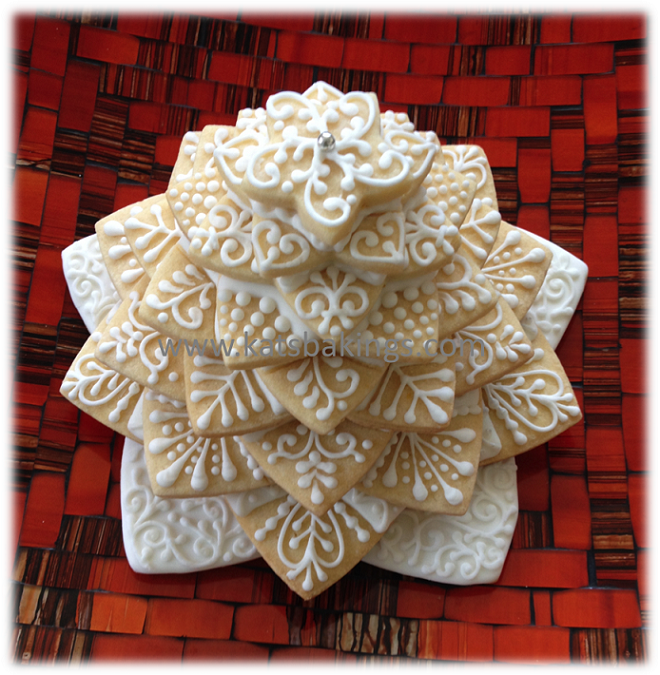 Christmas Tree Lace Cookie