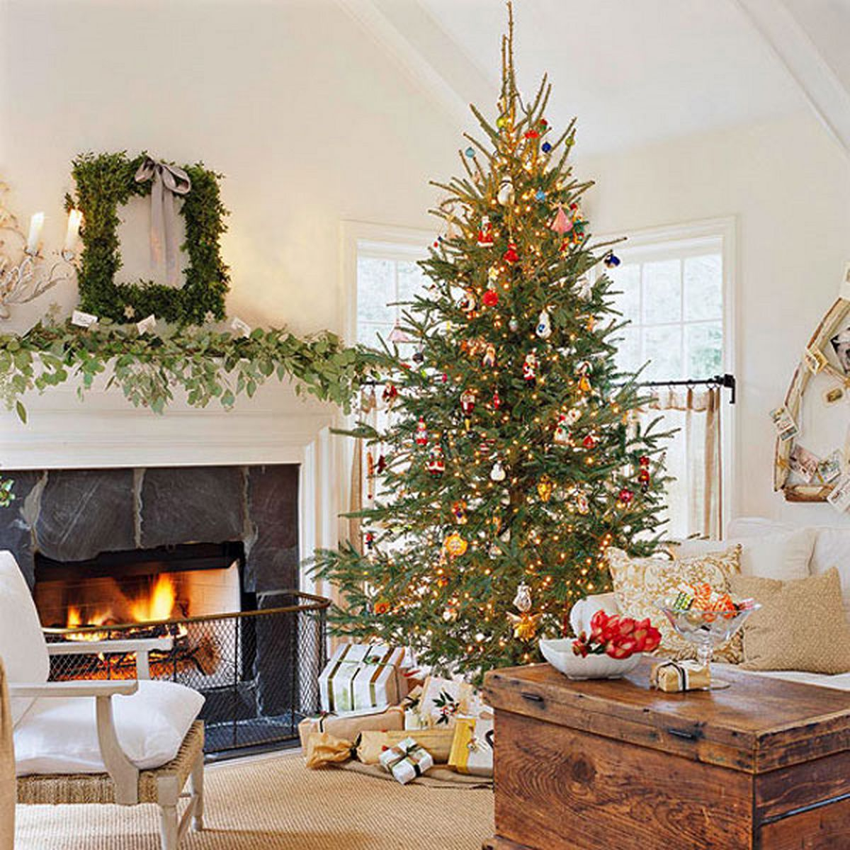 Classically Modern Christmas Décor For Living Room
