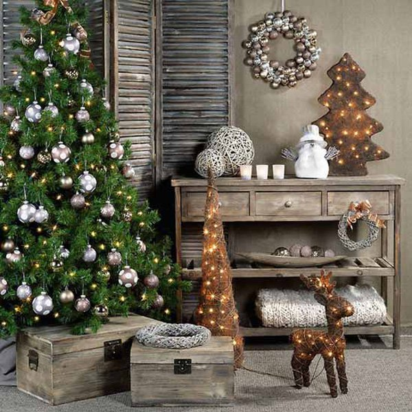 Country Living Room Christmas Décor