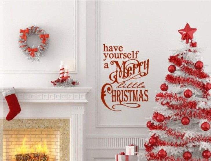 Red And White Merry Christmas Living Room Décor