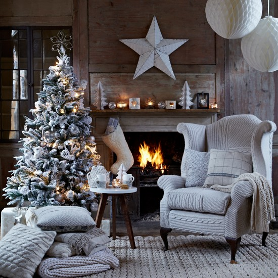 Silver Themed Living Room For Christmas