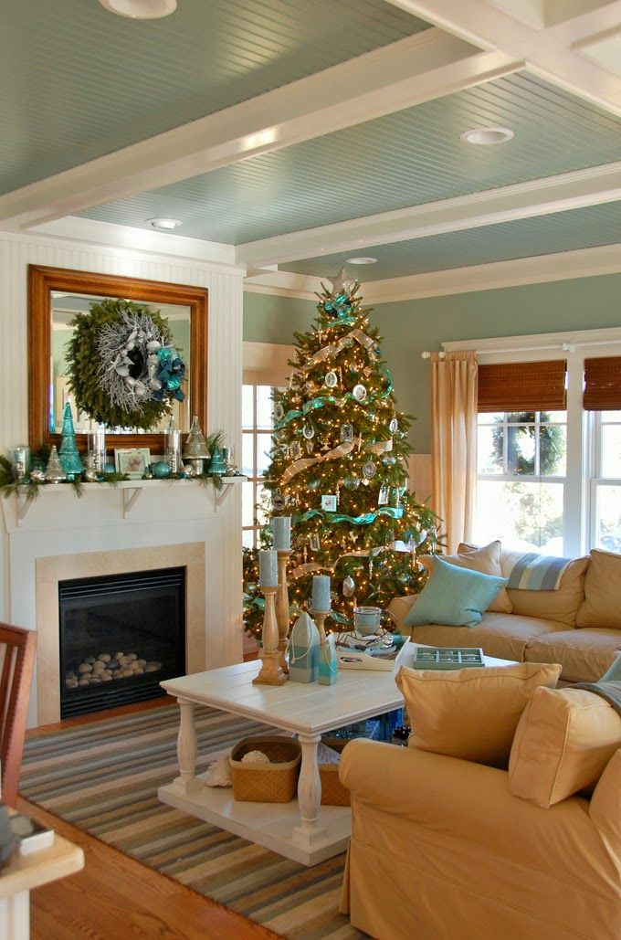 Turquoise Living Room Christmas Décor